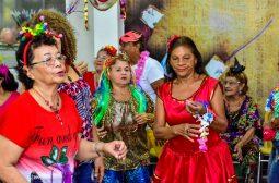 Centro Estadual de Convivência da Família Maria Miranda Leão anima idosos com atividades de Carnaval