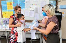 Casa Jacamim e Abrigo do Coroado recebem kits de higiene da Seas